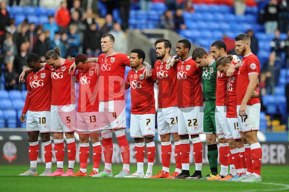Bristol City observe a minutes silence - Mandatory byline: Dougie Allward/JMP - 07966 386802 - 07/11/2015 - FOOTBALL - Macron Stadium - Bolton, England - Bolton Wanderers v Bristol City - Sky Bet Championship