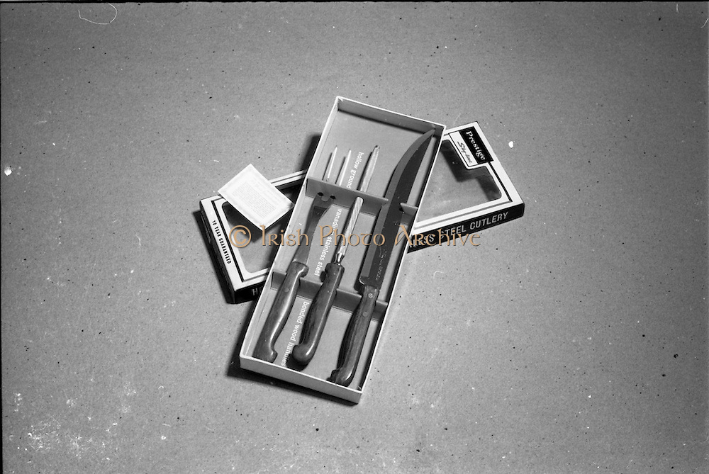 20-25/05/1966<br /> 05/20-25/1966<br /> 20-25 May 1966<br /> Competition prizes photographed at Lensmen Studio for Esso (Ireland) Ltd. A Prestige stainless steel carving set.