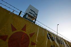 Besetzung des Erkundungsbergwerks in Gorleben durch Anti-Atom-Aktivisten anlässlich des Beginns der Koalitionsverhandlungen von CDU/CSU und FDP. <br /> <br /> Ort: Gorleben<br /> Copyright: Andreas Conradt<br /> Quelle: PubliXviewinG