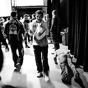 20.09.2014, Litauen, Vilnius, LITEXPO Kongress Center, Weltmeisterschaft im Armwrestling. Liegest&uuml;tze um die Muskeln auf zupumpen (re.), Handgelenke werden trainiert (m.).<br /><br />09.20.2014 , Lithuania , Vilnius, LITEXPO Congress Center , World Armwrestling Championships. Pushups to the muscles to inflate (r.) , Wrists are trained (m . ).<br /><br />&copy;2014 Harald Krieg / Agentur Focus