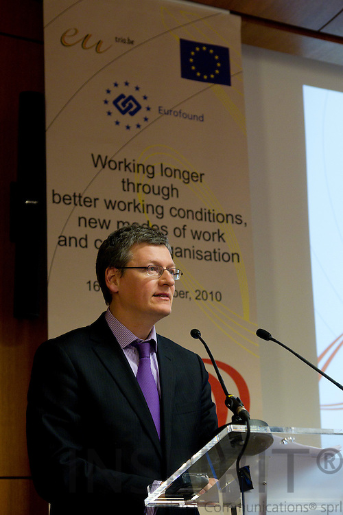 """BRUSSELS - BELGIUM - 16 NOVEMBER 2010 -- László Andor, EU-Commissioner for Employment, Social Affairs and Inclusion, speaking at the EUROFOUND conference is cooperation with the Belgian EU Presidency and the European Commission on """"Working longer through better working conditions, new modes of work and career organisation"""" held 16-17 November 2010 at Palais des Academies in Brussels. PHOTO: ERIK LUNTANG / INSPIRIT Photo"""