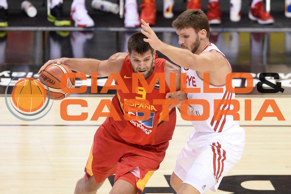 DESCRIZIONE: Berlino EuroBasket 2015 - <br /> Turkey Spain<br /> GIOCATORE: Felipe Reyes<br /> CATEGORIA: Penetrazione difesa sequenza<br /> SQUADRA: Spain<br /> EVENTO: EuroBasket 2015 <br /> GARA: Berlino EuroBasket 2015 - Turkey vs Spain<br /> DATA: 06-09-2015 <br /> SPORT: Pallacanestro <br /> AUTORE: Agenzia Ciamillo-Castoria/I.Mancini <br /> GALLERIA: FIP Nazionali 2015 FOTONOTIZIA: Berlino EuroBasket 2015 - Turkey vs Spain