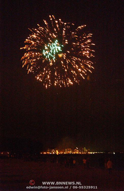 Koninginnedag 2002 Huizen, vuurwerk
