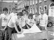 Co-operation North's cyclists with Sean Kelly, <br />