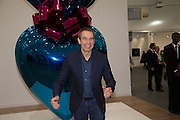 JEFF KOONS;  Frieze. Regent's Park. London. 17 October 2013
