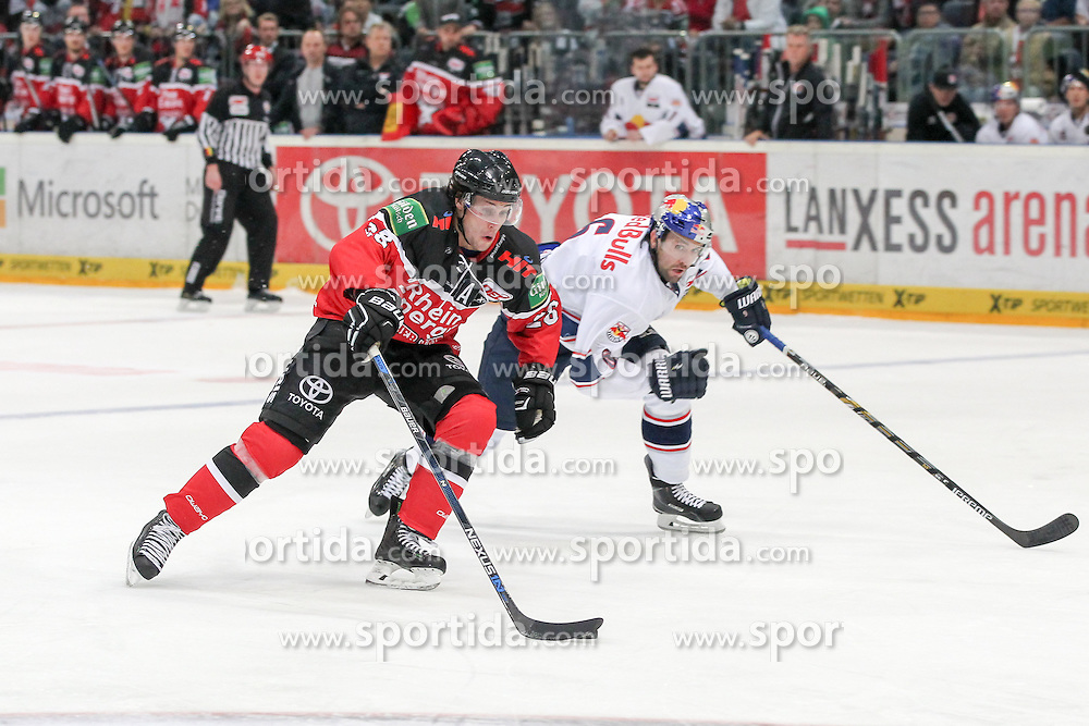 11.09.2015, Lanxess Arena, Koeln, GER, DEL, Koelner Haie vs EHC Red Bull Muenchen, 1. Runde, im Bild Ryan Jones (Koelner Haie) // during the German DEL Icehockey League 1st round match between Koelner Haie and EHC Red Bull Munich at the Lanxess Arena in Koeln, Germany on 2015/09/11. EXPA Pictures &copy; 2015, PhotoCredit: EXPA/ Eibner-Pressefoto/ Fusswinkel<br /> <br /> *****ATTENTION - OUT of GER*****