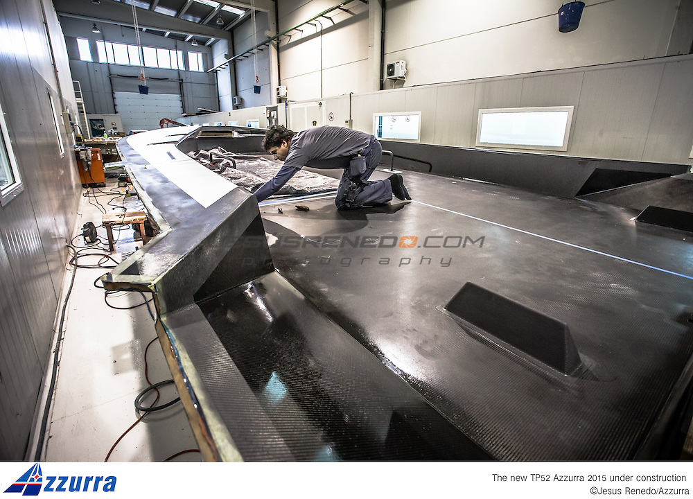 Tp 52 Azzurra 2015, desgined by Botin and build in King Composites, Valencia. Firsts stages of building in Valencia