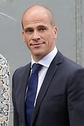 Prinsjesdag 2013 - Aankomst Parlementariërs bij de Ridderzaal op het Binnenhof.<br /> <br /> Op de foto: fractievoorzitter van de PVDA Diederik Samsom
