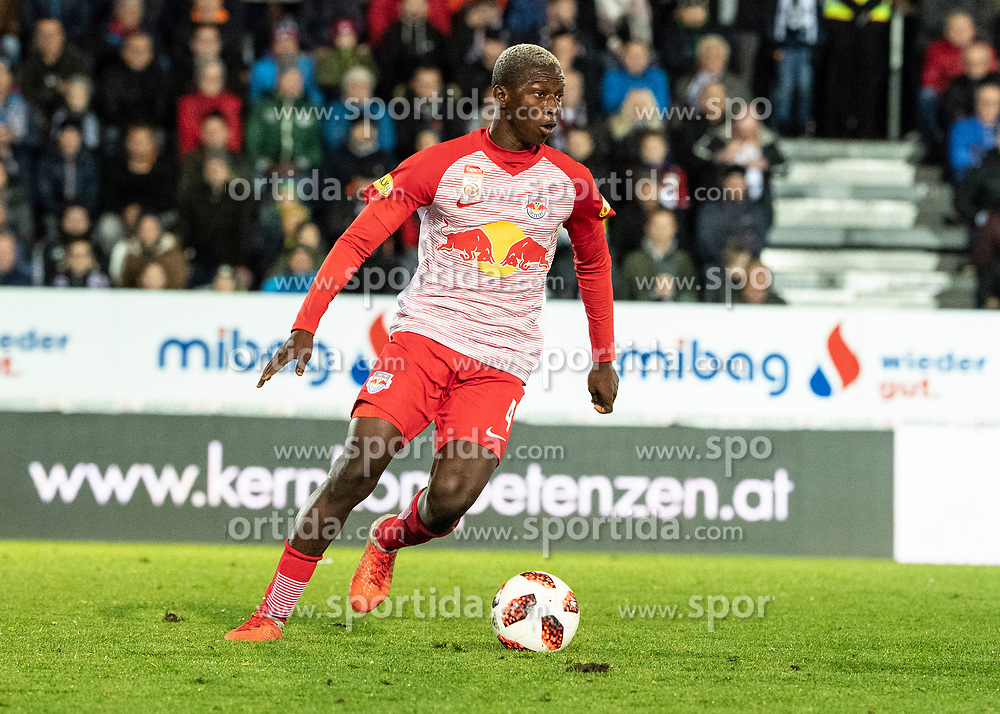 28.10.2018, TGW Arena, Pasching, AUT, 1. FBL, LASK Linz vs FC Red Bull Salzburg, Grunddurchgang, 12. Runde, im Bild Amadou Haidara (FC Red Bull Salzburg) // during the Austrian Football Bundesliga 12th round match between LASK Linz and FC Red Bull Salzburg at the TGW Arena in Pasching, Austria on 2018/10/28. EXPA Pictures © 2018, PhotoCredit: EXPA/ Reinhard Eisenbauer