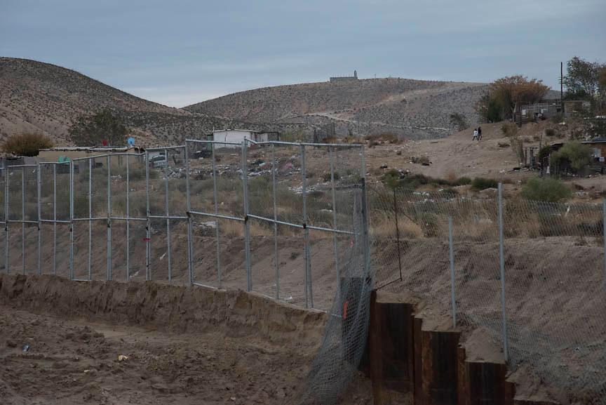 US-Mexico border wall