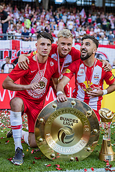 26.05.2019, Red Bull Arena, Salzburg, AUT, 1. FBL, FC Red Bull Salzburg Meisterfeier, im Bild Dominik Szoboszlai (FC Red Bull Salzburg), Fredrik Gulbrandsen (FC Red Bull Salzburg), Munas Dabbur (FC Red Bull Salzburg) // during the Austrian Football Bundesliga Championsship Celebration at the Red Bull Arena in Salzburg, Austria on 2019/05/26. EXPA Pictures © 2019, PhotoCredit: EXPA/ JFK