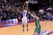 DESCRIZIONE : Milano Coppa Italia Final Eight 2014 Quarti di Finale Acqua Vitasnella Cantu Grissin Bon Reggio Emilia<br /> GIOCATORE : Joe Ragland<br /> CATEGORIA : Tiro Three Points<br /> SQUADRA : Acqua Vitasnella Cantu<br /> EVENTO : Beko Coppa Italia Final Eight 2014<br /> GARA : Acqua Vitasnella Cantu Grissin Bon Reggio Emilia<br /> DATA : 07/02/2014<br /> SPORT : Pallacanestro<br /> AUTORE : Agenzia Ciamillo-Castoria/R.Morgano<br /> Galleria : Lega Basket Final Eight Coppa Italia 2014<br /> Fotonotizia : Milano Coppa Italia Final Eight 2014 Quarti di Finale Acqua Vitasnella Cantu Grissin Bon Reggio Emilia<br /> Predefinita :