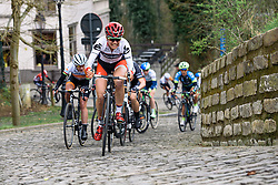 Jöelle Numainville battles up Muur van Geraardsbergen with Marianne Vos in her wheel - Pajot Hills Classic 2016, a 122km road race starting and finishing in Gooik, on March 30th, 2016 in Vlaams Brabant, Belgium.