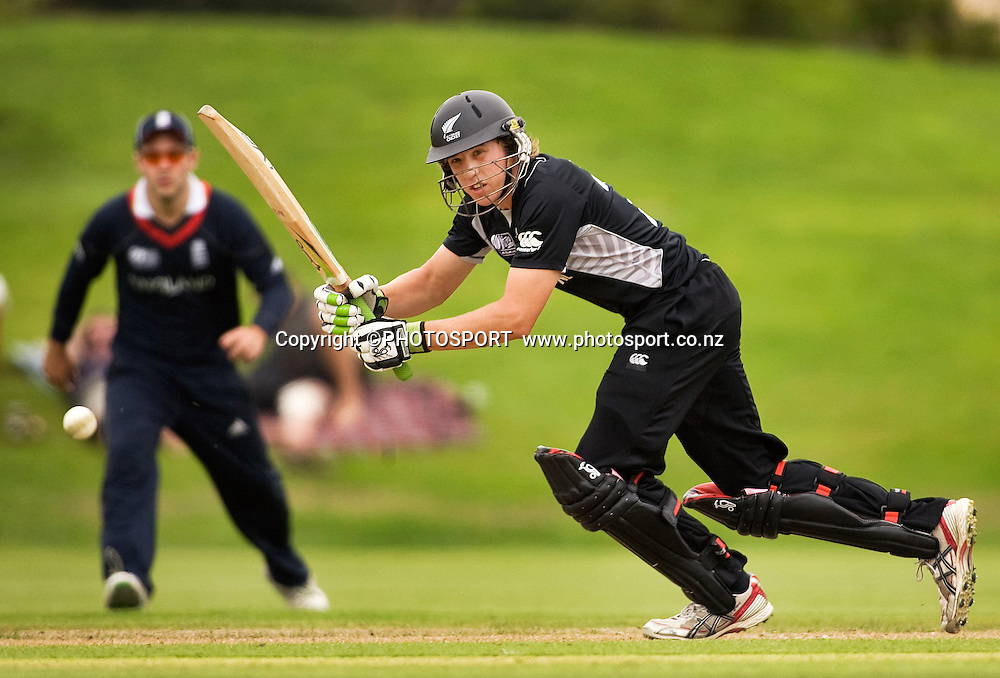 New Zealand's Logan van Beek during his innings of 51 not out. New Zealand v England, U19 Cricket World Cup SL 7th-8th Place, Village Green, QEII, Christchurch, Tuesday 26 January 2010. Photo : Joseph Johnson/PHOTOSPORT