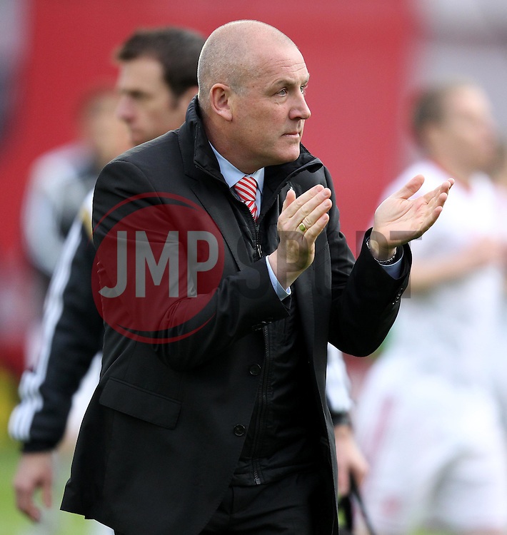 Brentford Manager, Mark Warburton - Photo mandatory by-line: Robbie Stephenson/JMP - Mobile: 07966 386802 - 08/05/2015 - SPORT - Football - Brentford - Griffin Park - Brentford v Middlesbrough - Sky Bet Championship