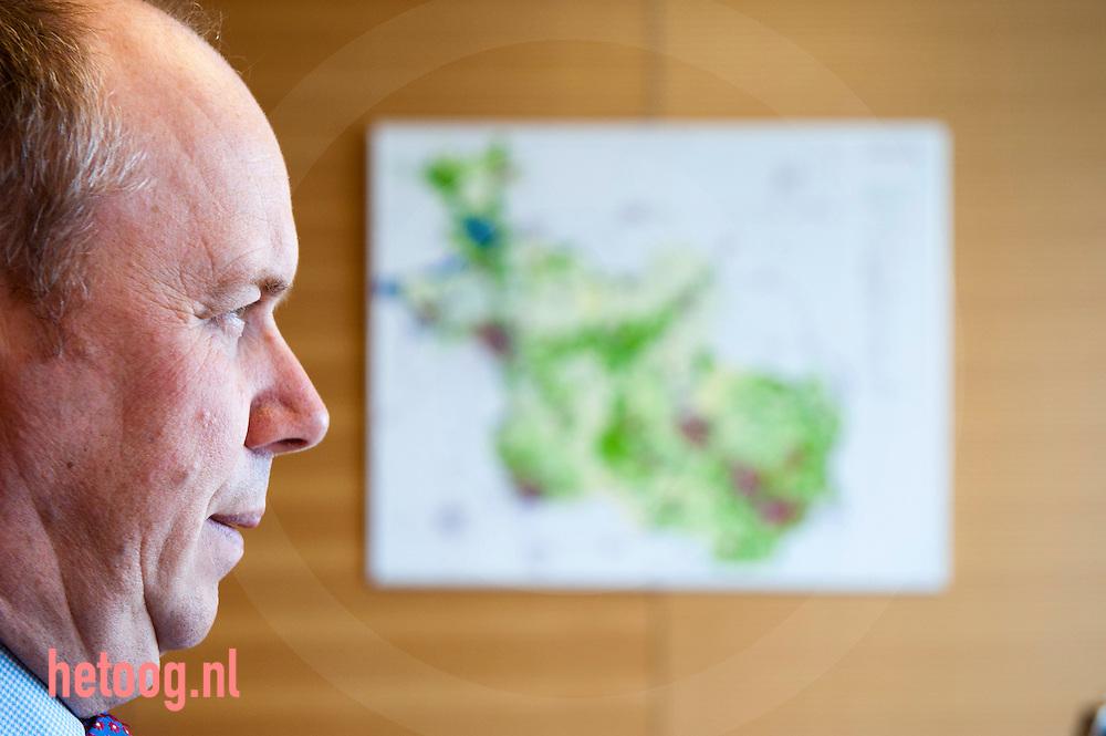 nederland,zwolle,12april2012 gedeputeerde Boerman Provincie Overijssel