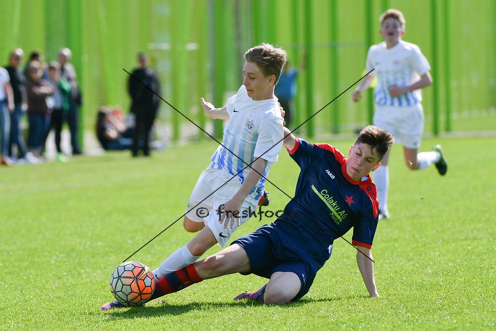01.04.2017; Zuerich; <br /> Fussball FC Zuerich - FE15 Oberland - Red Star;<br /> Lenny Brauchli (Zuerich) Edis Memic (Red Star) <br /> (Andy Mueller/freshfocus)