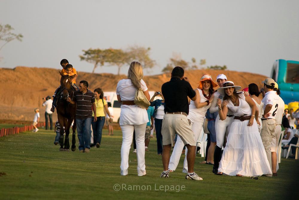 Celebración de la Tercera Copa del Panamá Polo Open, Embajada de la República Argentina, Hacienda Country Club..Ramon Lepage / Istmophoto..