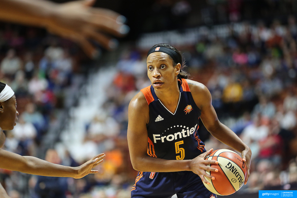 UNCASVILLE, CONNECTICUT- JUNE 5:  Jasmine Thomas #5 of the Connecticut Sun in action during the Indiana Fever Vs Connecticut Sun, WNBA regular season game at Mohegan Sun Arena on June 3, 2016 in Uncasville, Connecticut. (Photo by Tim Clayton/Corbis via Getty Images)