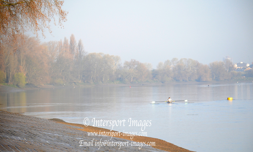 Putney. London. Tideway Week build up to the   2011 University Boat Race over parts of the Championship Course - Putney to Mortlake. GV, General View, Cambridge, CUBC, spare pair,paddle away from Putney, in the early morning light. Wednesday 23/03/2011  [Mandatory Credit; Karon Phillips/Intersport-images].. 2011 Tideway Week