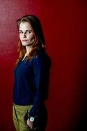 UTRECHT - portret foto van Ans Boersma , FD verbreekt banden met correspondent Ans Boersma De hoofdredactie van Het Financieele Dagblad (FD) verbreekt de banden met correspondent Ans Boersma. De krant laat in een verklaring weten het vertrouwen in Boersma te hebben verloren door het achterhouden van informatie over haar relatie met een Syriër die afgelopen najaar in Nederland is gearresteerd op verdenking van deelname aan de terroristische organisatie Jabhat al-Nusra. Ans Boersma is volledig overvallen door de mededeling van het Financieele Dagblad (FD) dat de krant alle banden met haar verbreekt. Daarover is ze diep teleurgesteld, aldus haar advocaat Maarten Pijnenburg.  De uitzetting van Ans Boersma uit Turkije heeft mogelijk te maken met de relatie die ze tot de zomer van 2015 had met een Syriër die eind vorig jaar in Nederland is gearresteerd. De ex zou zijn aangehouden omdat hij lid was geweest van de Syrische terreurorganisatie Jabhat al-Nusra.  <br />  ROBIN UTRECHT