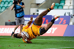 Paolo Odogwu of Wasps scores a try in the semi final against Bristol Bears - Mandatory byline: Patrick Khachfe/JMP - 07966 386802 - 14/09/2019 - RUGBY UNION - Franklin's Gardens - Northampton, England - Premiership Rugby 7s (Day 2)