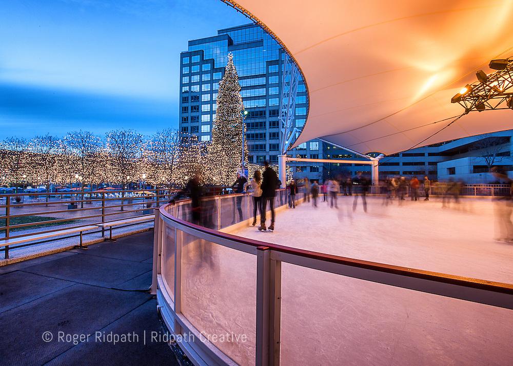 crown center skating rink and mayor's christmas tree