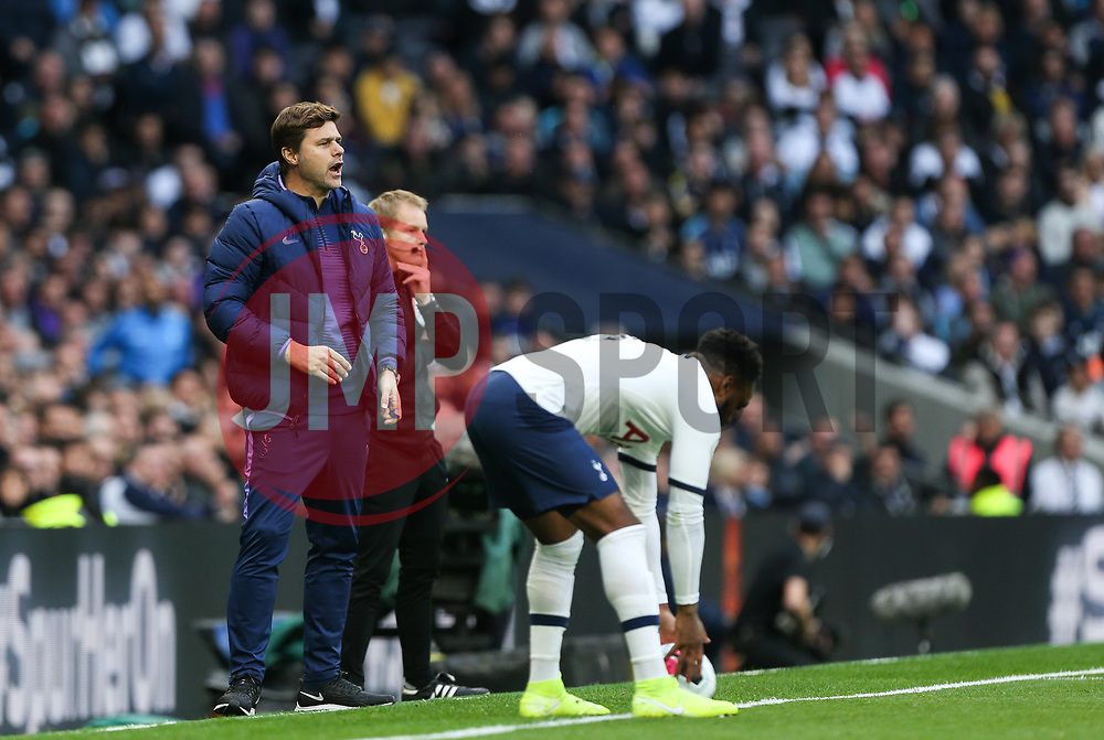 Tottenham Hotspur manager Mauricio Pochettino shouts out instructions - Mandatory by-line: Arron Gent/JMP - 19/10/2019 - FOOTBALL - Tottenham Hotspur Stadium - London, England - Tottenham Hotspur v Watford - Premier League