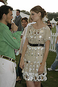 Matthew Williamson and Mischa Barton, Cartier International Polo. Guards Polo Club. Windsor Great Park. 30 July 2006. ONE TIME USE ONLY - DO NOT ARCHIVE  © Copyright Photograph by Dafydd Jones 66 Stockwell Park Rd. London SW9 0DA Tel 020 7733 0108 www.dafjones.com