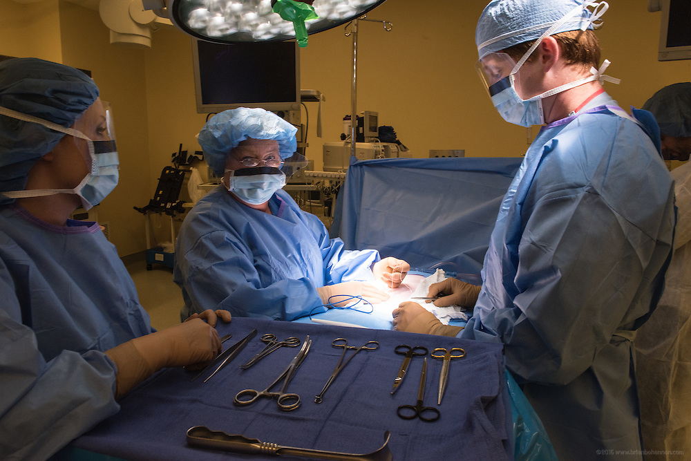 Surgery with Aaron B. House, MD, photographed Friday, May 22, 2015 at Baptist Health in Corbin, Ky. (Photo by Brian Bohannon/Videobred for Baptist Health)