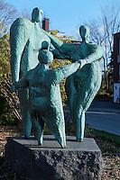 Statue Affinit&eacute;, Hans Schleeh<br /> , Art Public, Parc du Mont-Royal, Montr&eacute;al, Qu&eacute;bec Canada
