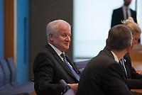DEU, Deutschland, Germany, Berlin, 11.10.2018: Bundesinnenminister Horst Seehofer (CSU) in der Bundespressekonferenz bei der Vorstellung des BSI-Lageberichts.