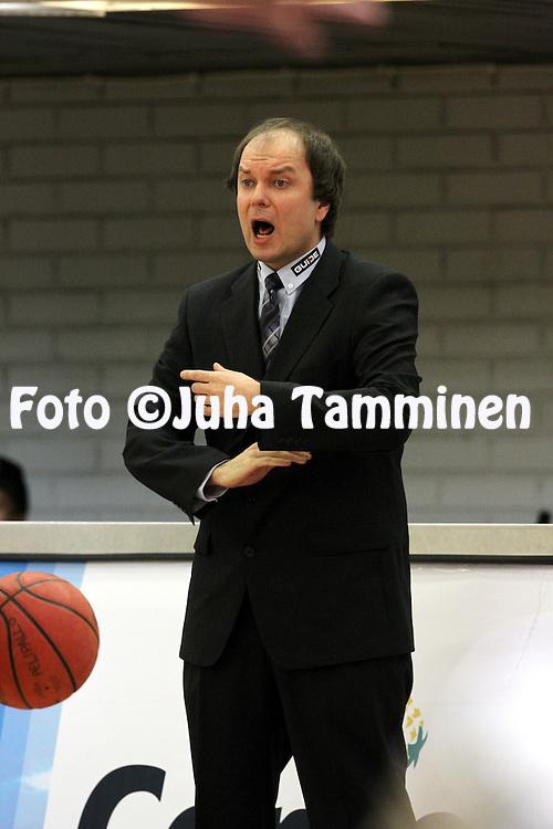 22.3.2013, Urheilutalo, Lahti..Korisliiga 2012-13, Namika Lahti - Lappeenrannan NMKY..Valmentaja Ilkka Palviainen - Namika Lahti