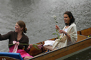 Amelie Sarrado-Helbich-Posbacher and Sophie Bower. The Dangerous Sports Club host the innauguaral Oxford V  Cambridge Punt Race. University Parks. Oxford. 25 June 2005. 25 June 2005. ONE TIME USE ONLY - DO NOT ARCHIVE  © Copyright Photograph by Dafydd Jones 66 Stockwell Park Rd. London SW9 0DA Tel 020 7733 0108 www.dafjones.com