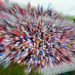 Crowd with motion blur. Photographe: Marc Lapointe, Sainte-Thérèse, Blainville, Québec. Studio de photo marclapointephoto.
