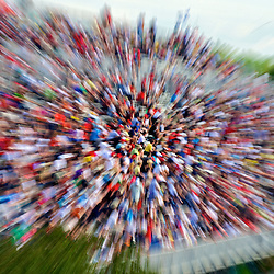 Crowd with motion blur. Photographe: Marc Lapointe, Sainte-Thérèse, Blainville, Québec. Studio de photo marclapointephoto.