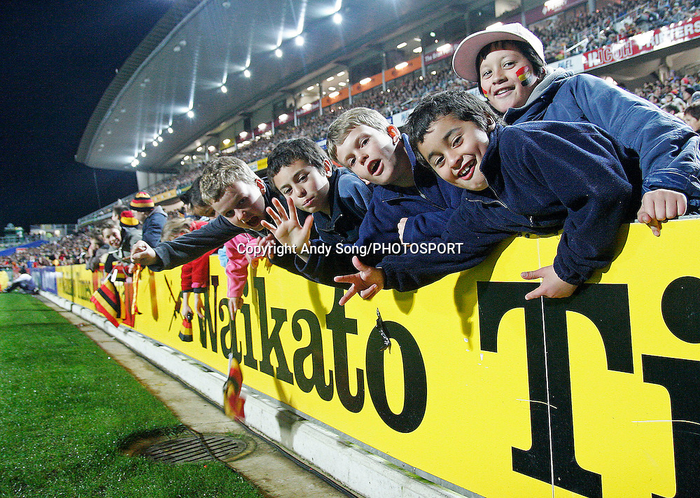 Waikato fans enjoying the game during the Air New Zealand Cup week 3 rugby union match between Waikato and Canterbury at Waikato Stadium in Hamilton, New Zealand on Friday 11 August 2006. Photo: Andy Song/PHOTOSPORT