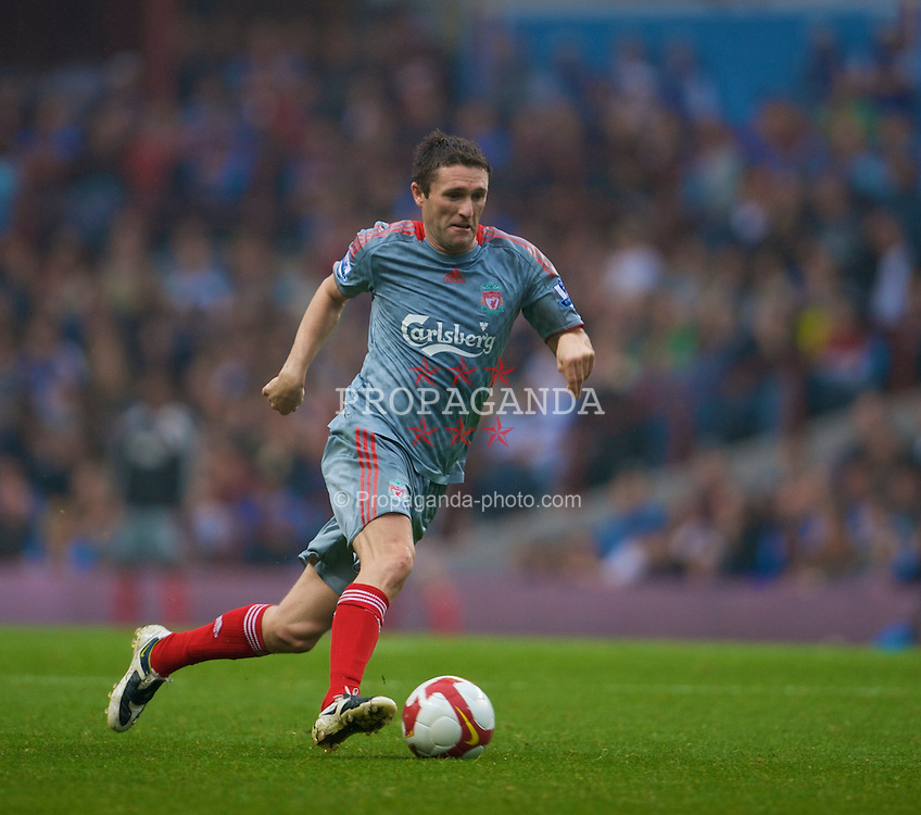 BIRMINGHAM, ENGLAND - Sunday, August 31, 2008: Liverpool's Robbie Keane in action against Aston Villa during the Premiership match at Villa Park. (Photo by David Rawcliffe/Propaganda)