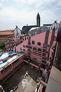 "The ""Gru?ne Zitadelle von Magdeburg"" (Green Citadel of Magdeburg), the last housing project by Austrian artist and architect Friedensreich Hundertwasser, in the final stages of construction. To be opened on October 3, 2005."