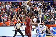 DESCRIZIONE : Milano Lega A 2014-15  EA7 Emporio Armani Milano vs Vagoli Basket Cremona<br /> GIOCATORE : Shawn James<br /> CATEGORIA : Schiacciata sequenza<br /> SQUADRA : EA7 Emporio Armani Milano<br /> EVENTO : Campionato Lega A 2014-2015<br /> GARA : EA7 Emporio Armani Milano vs Vagoli Basket Cremona<br /> DATA : 25/01/2015<br /> SPORT : Pallacanestro <br /> AUTORE : Agenzia Ciamillo-Castoria/I.Mancini<br /> Galleria : Lega Basket A 2014-2015  <br /> Fotonotizia : Cantù Lega A 2014-2015 Pallacanestro : EA7 Emporio Armani Milano vs Vagoli Basket Cremona<br /> Predefinita :