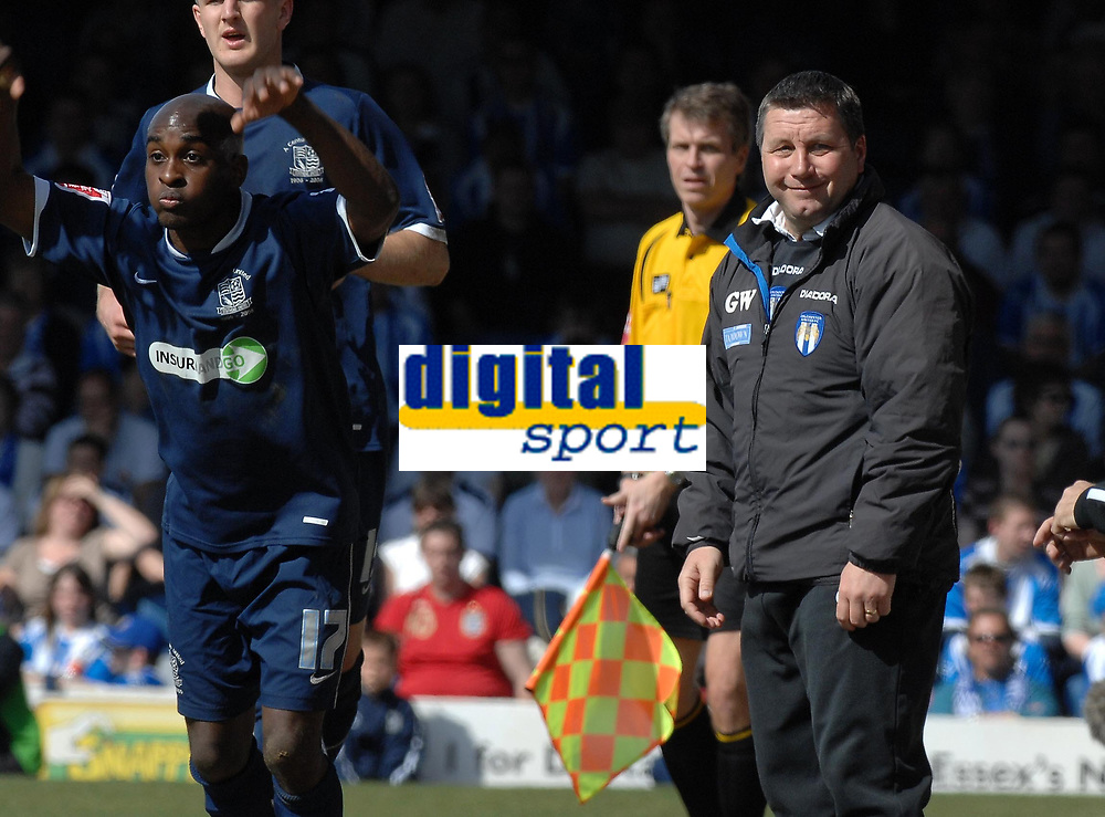 Photo: Ashley Pickering.<br /> Southend United v Colchester United. Coca Cola Championship. 06/04/2007.<br /> Colchester manager Geraint Williams (R) is all smiles as he watches his side win 3-0