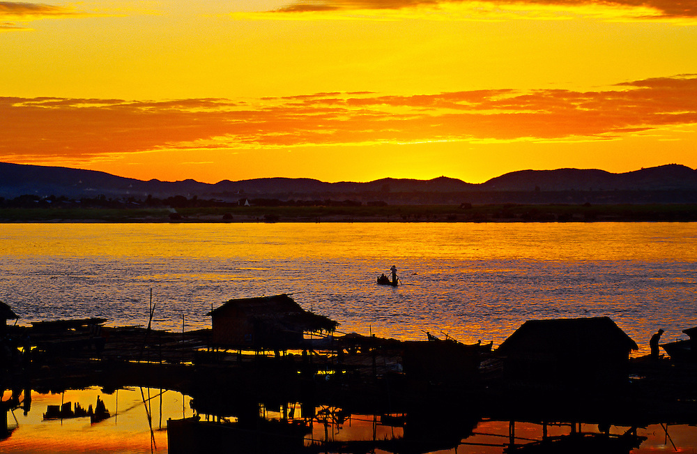 Sunset on the Ayeyarwady River at Buffalo Point, Mandalay, Burma (Myanmar)