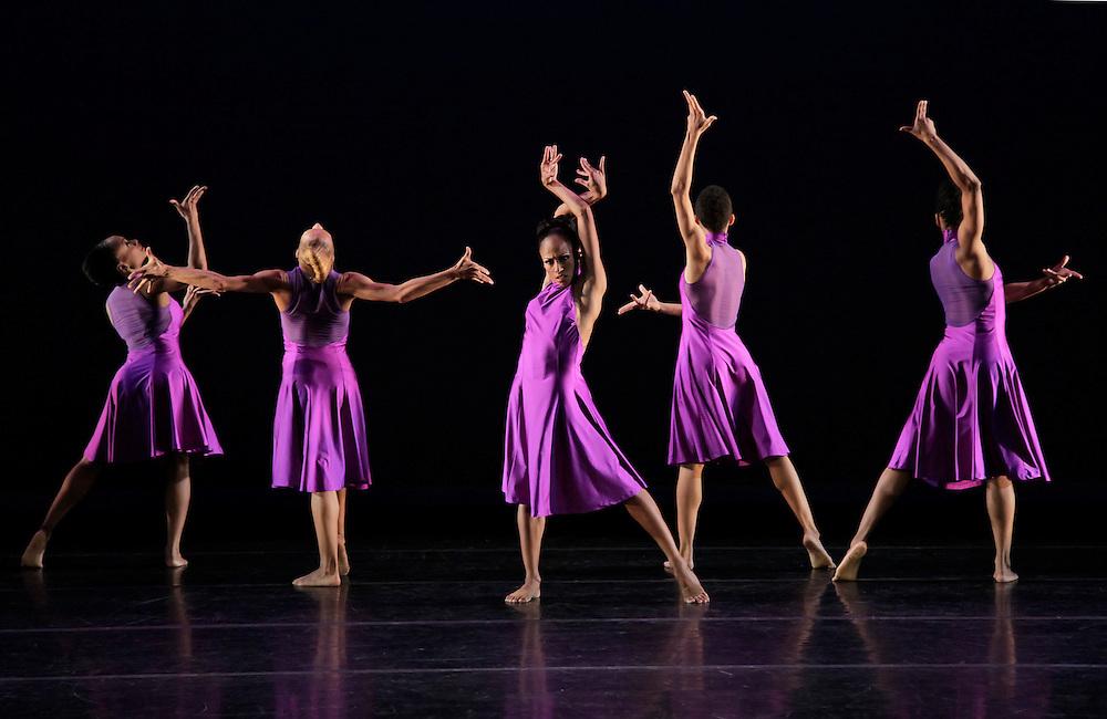 Anointed.Alvin Ailey American Dance Theater.Choreography by Christopher Huggins.Credit photo: ©Paul Kolnik.paul@paulkolnik.com.nyc  212-362-7778