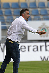 31.07.2015, SchücoArena, Bielefeld, GER, 2. FBL, DSC Arminia Bielefeld vs FSV Frankfurt, 2. Runde, im Bild Trainer Tomas Oral (FSV Frankfurt) feuert an // during the 2nd German Bundesliga 2nd round match between DSC Arminia Bielefeld and FSV Frankfurt at the SchücoArena in Bielefeld, Germany on 2015/07/31. EXPA Pictures © 2015, PhotoCredit: EXPA/ Eibner-Pressefoto/ RRZ<br /> <br /> *****ATTENTION - OUT of GER*****