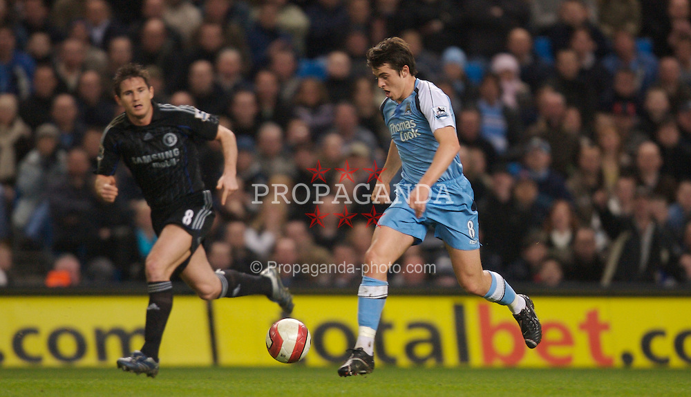 Manchester, England - Wednesday, March 14, 2007: Manchester City's Joey Barton and Chelsea's Frank Lampard during the Premiership match at the City of Manchester Stadium. (Pic by David Rawcliffe/Propaganda)