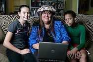 8th January 2010. Long Beach, California. Marla Jo Fisher, who writes the Frumpy Middle-aged Mom column for the Orange County Register newspaper in California. She blogs about raising her children, Cheetah Boy, 12, and Curly Girl, 11, in Southern California.. .Her blog:.www.ocregister.com/themomblog/marla. .** Please do NOT use my kids' real names, only their Cheetah Boy and Curly Girl nicknames and please don't say which city they live in. Thanks!.Marla. ..PHOTO © JOHN CHAPPLE / www.chapple.biz.john@chapple.biz  (001) 310 570 9100.