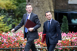 © Licensed to London News Pictures. 17/10/2017. London, UK. Attorney General Jeremy Wright QC and Secretary of State for Wales Alun Cairns arriving in Downing Street to attend a Cabinet meeting this morning. Photo credit : Tom Nicholson/LNP