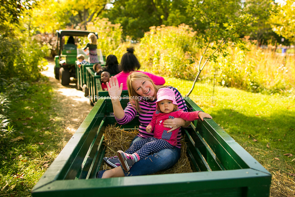 10/10/15 1:42:58 PM -- Chicago, IL, USA<br /> <br /> Lincoln Park Zoo Fall Festival <br /> <br /> . &copy; Todd Rosenberg Photography 2015