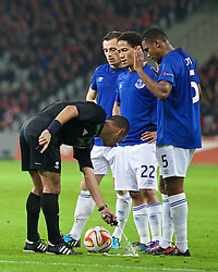 LILLE, FRANCE - Thursday, October 23, 2014: Everton's Leighton Baines, Steven Pienaar and Samuel Eto'o prepare to take a free-kick as the referee puts down a line using vanishing spray during the UEFA Europa League Group H match against Lille OSC at Stade Pierre-Mauroy. (Pic by David Rawcliffe/Propaganda)