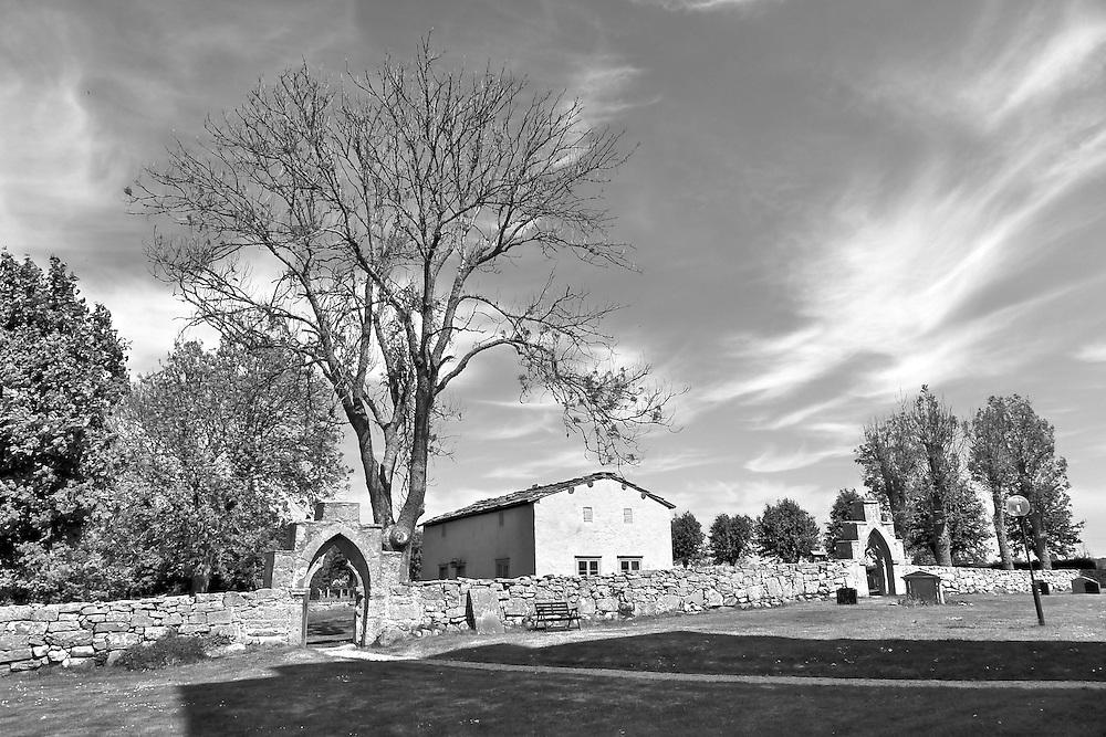 Fide kyrkogård